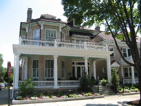 Photo of Maury Place at Monument Richmond