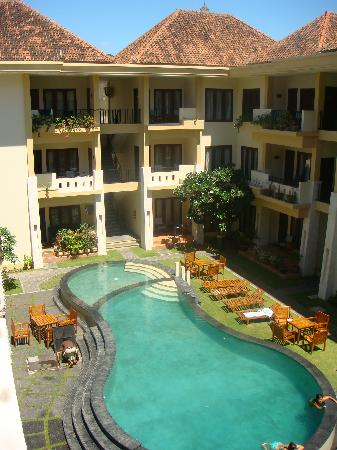 Kuta Town House Apartments: 1st pool