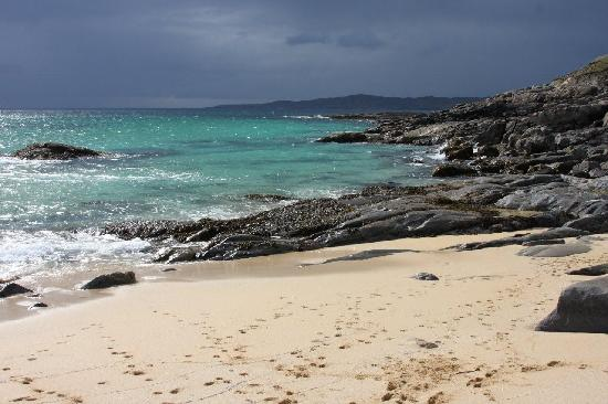 Isla de Harris, UK: Yes, the sea is this blue!