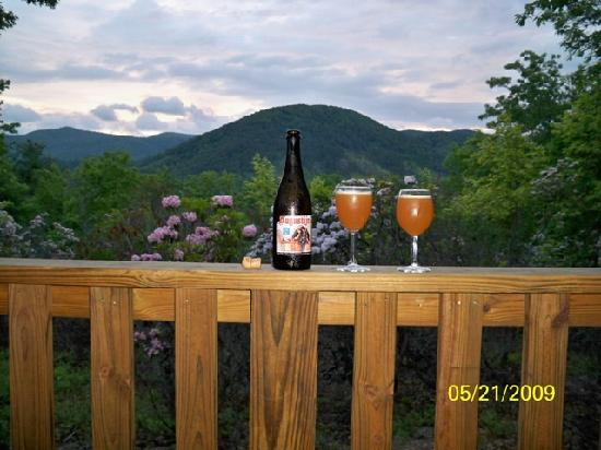 Tanglewood Cabins: Nothing like an adult beverage with a view like this.