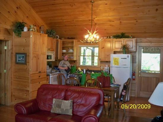Tanglewood Cabins: Inside the cabin