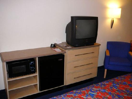 Red Roof Inn Cleveland - Westlake: TV, Khlschrank, Mikrowelle &amp; W-LAN