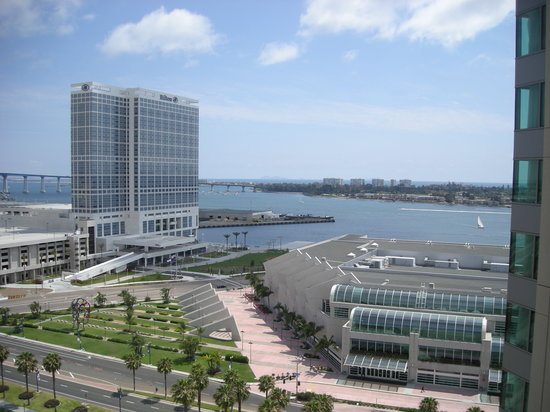 Omni San Diego Hotel: View from room on the bay side.