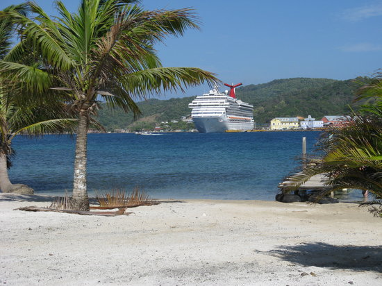 Roatan, Honduras: another view on our walk