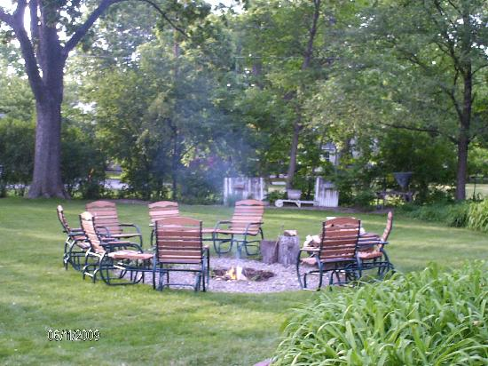 The Arbor Inn: Campfire just getting started