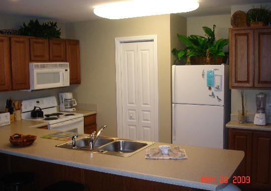 Beach Resort: Kitchen area