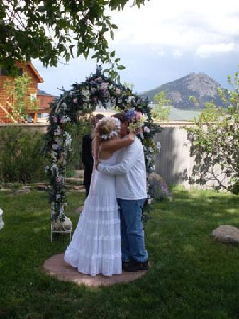 Black Dog Inn: The end of our perfect wedding ceremony!
