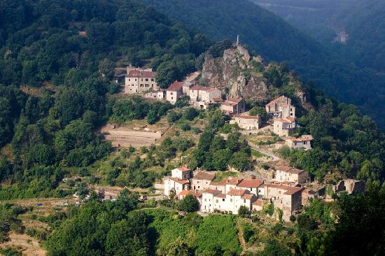 Tarn, France : Mazamet Hautpoul, village cathare 