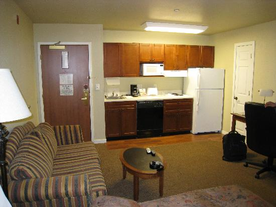 HYATT house Branchburg: hugely spacious living room n the kitchentte attached was wonderful too..