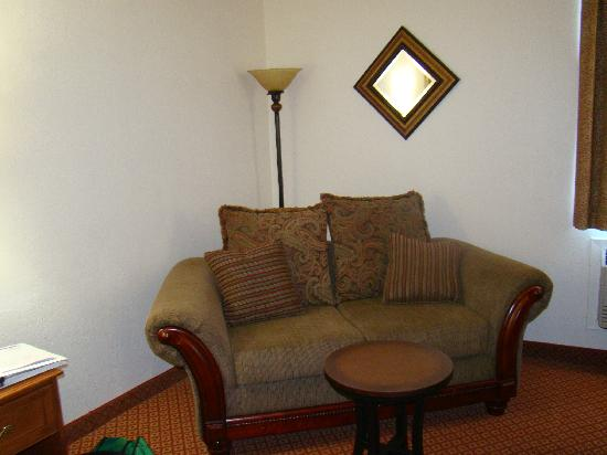 All American Inn &amp; Suites: Look at this couch!