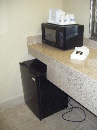 Travelodge Riviera Beach/West Palm: TV et micro onde