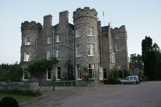 Dinnet House