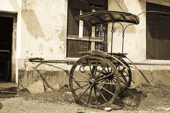 Sri Lanka: old ride (Galle)