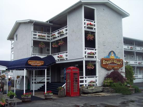 Brown&#39;s Wharf Inn: Entrance