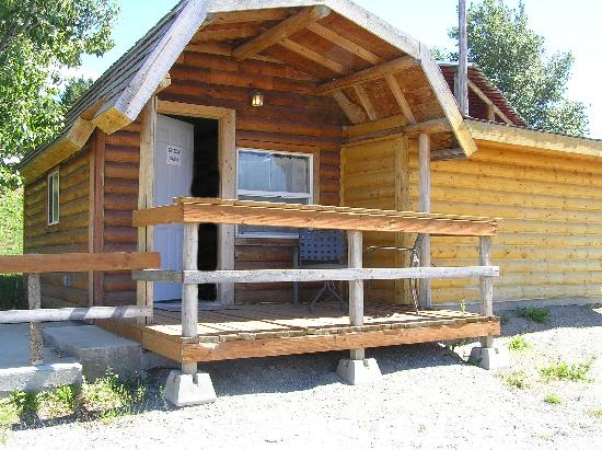 Red Eagle Motel: Grizzly Cabin