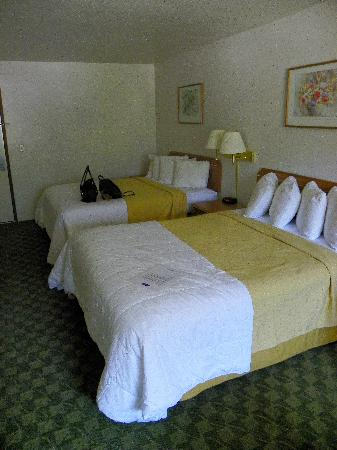 Howard Johnson Express Inn Leavenworth: Beds