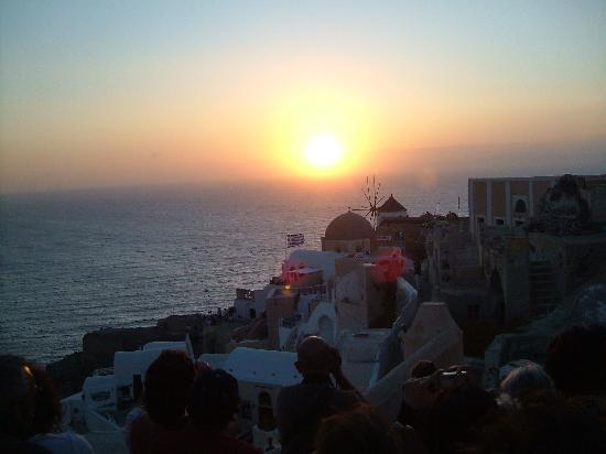 Horizon Resort: Sunset at Oia