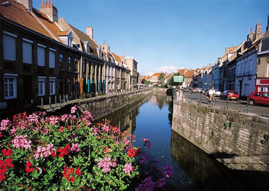 Calais France  City new picture : Nord Pas de Calais, France: Bergues Canal