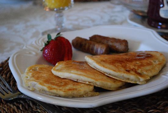 Cameron Park Inn Bed and Breakfast: breakfast