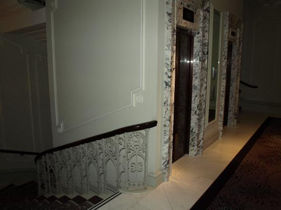 Ext rieur hotel picture of the langham london london - Amenagement cage d escalier ...