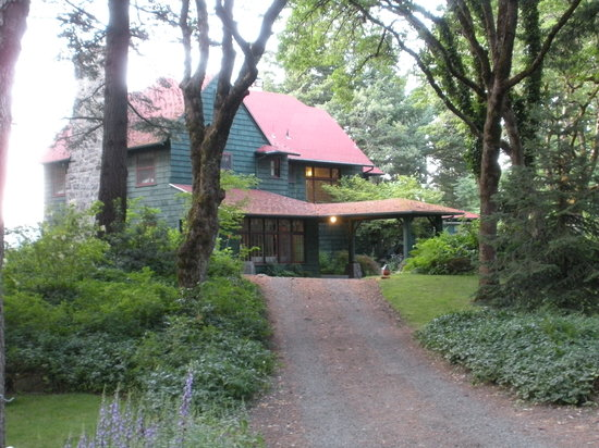 Photo of Lakecliff Bed and Breakfast Hood River