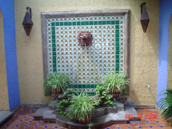 A feng shui water feature opposite my room foto for Water feature feng shui