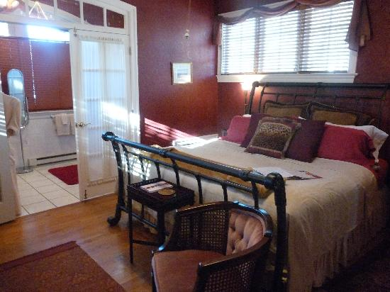 King's Cottage Bed & Breakfast: The Carriage House