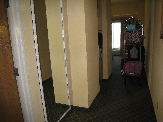 Holiday Inn Express Hotel &amp; Suites Port Aransas / Beach Area : Corridor - bath 1st door, kidsuite next then room 