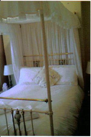 Milverton House Hotel: Bed