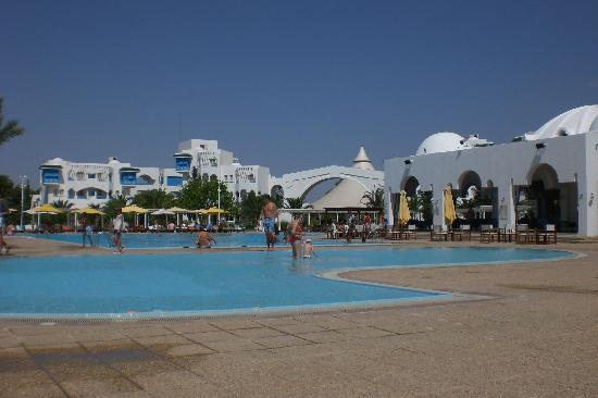 Piscine picture of club med hammamet hammamet tripadvisor for Piscine club med gym