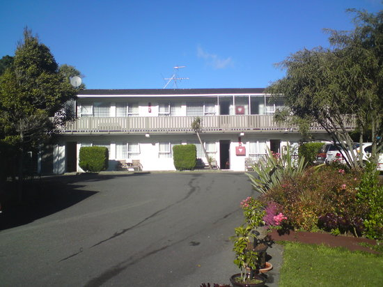 Newlands Court Motels