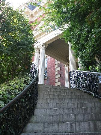 Wentworth Mansion: The Entrance