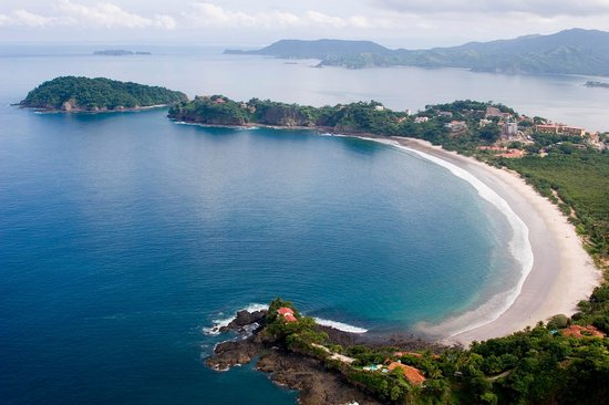 Playa Flamingo, Costa Rica: Entire Flamingo Beach including north and south ridges