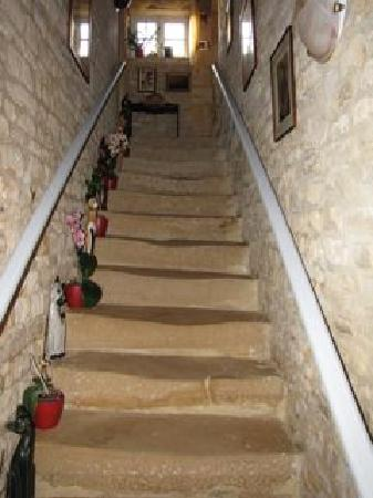 Le Clos St.-Bernard: Stone steps reflect the age of the building