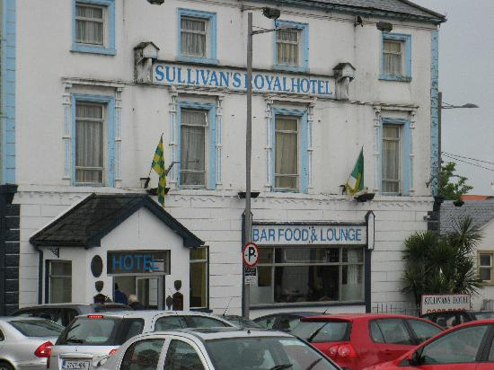 Gort, ไอร์แลนด์: Sullivan's Royal Hotel - Exterior (May 2009)
