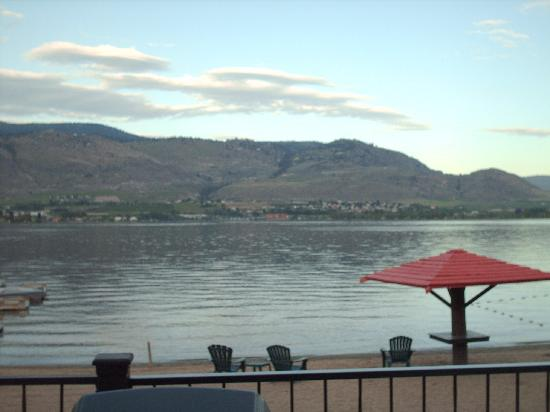 Osoyoos, Canada : The view from our room 
