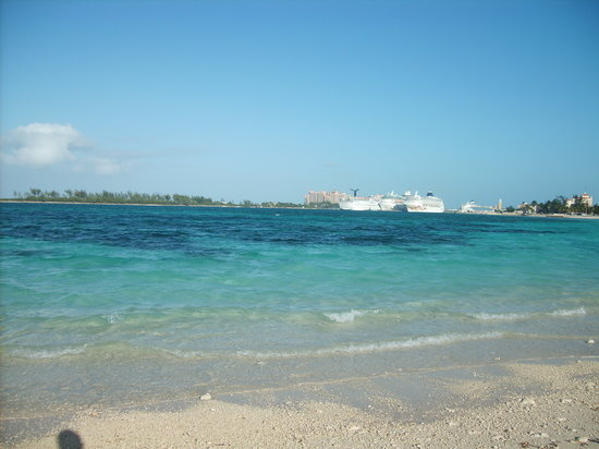 แนสซอ, New Providence Island: Long warf beach arawac Cay