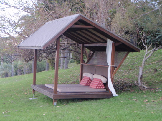 Gaia Retreat &amp; Spa: Daybed for enjoying beautiful scenery and quiet reflection.