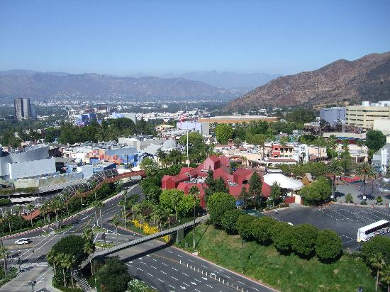 http://media-cdn.tripadvisor.com/media/photo-s/01/31/a3/ca/view-of-universal-studios.jpg