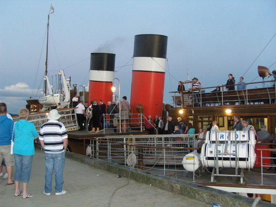 Photos of Waverley Paddle Steamer, Helensburgh - Attraction Images ...