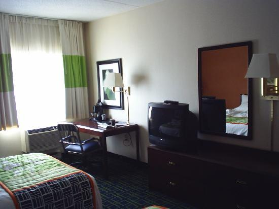 Fairfield Inn Manchester-Boston Regional Airport: room