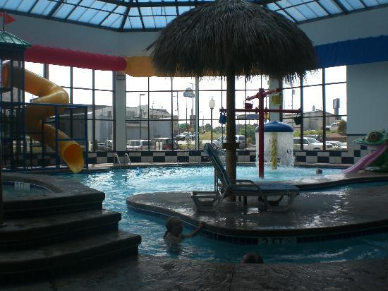 Kent, OH: The Pool !!