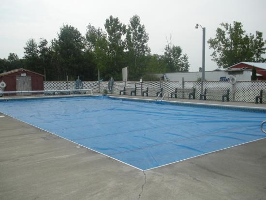 Paradise Park Campground: Pool