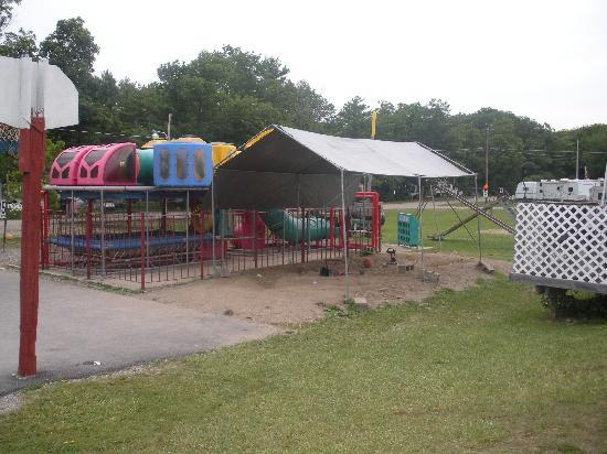 Paradise Park Campground: Playground