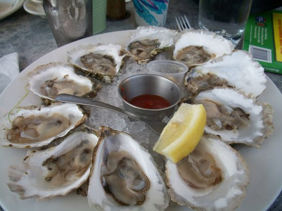 Fresh raw oysters - photo#12