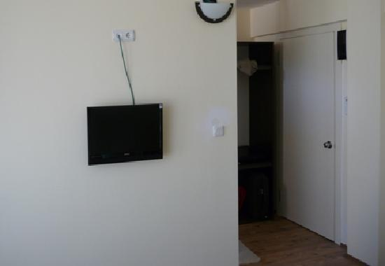 Romeo Otel: LCD Tv in rooms.