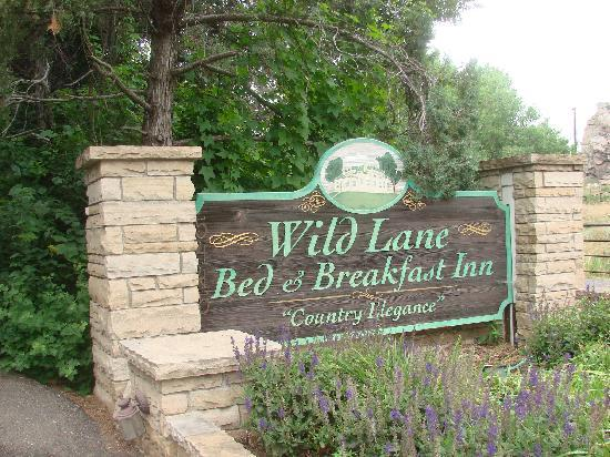 Wild Lane Bed and Breakfast Inn: go to the right.....