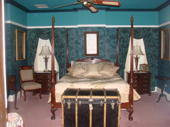 Photo of Wild Lane Bed and Breakfast Inn Loveland
