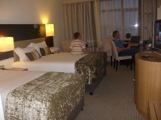 Cork International Airport Hotel: Bedroom