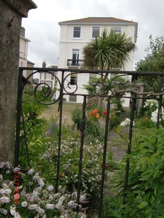 Claverton House Bed and Breakfast